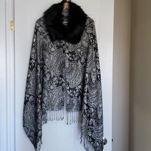 Faux Fur Timmed Cover up O/S